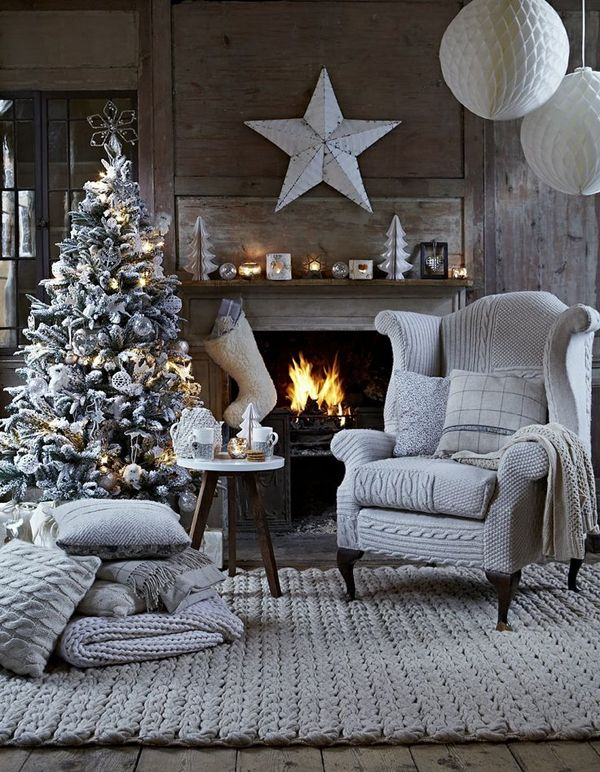 Neutral and cozy Christmas decor