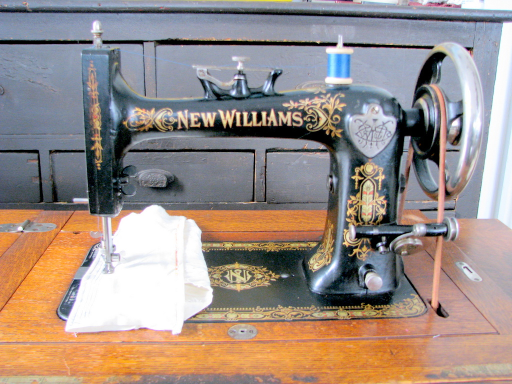 1890's New Williams Treadle Sewing machine
