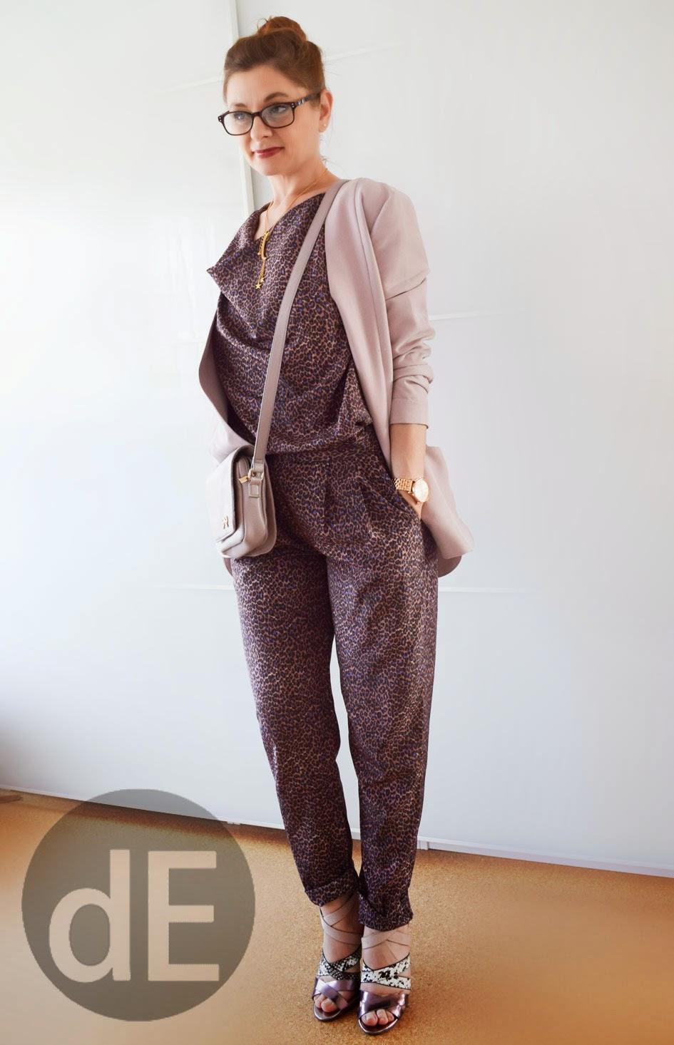 jumpsuit mit leoprint outfit. Black Bedroom Furniture Sets. Home Design Ideas