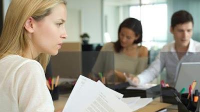 Tips Hadapi Mantan yang Jadi Rekan Kerja