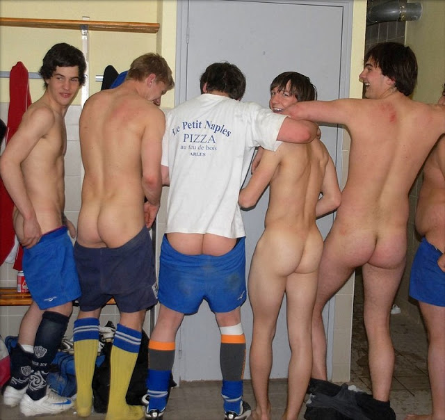 Straight Men In The Locker Room