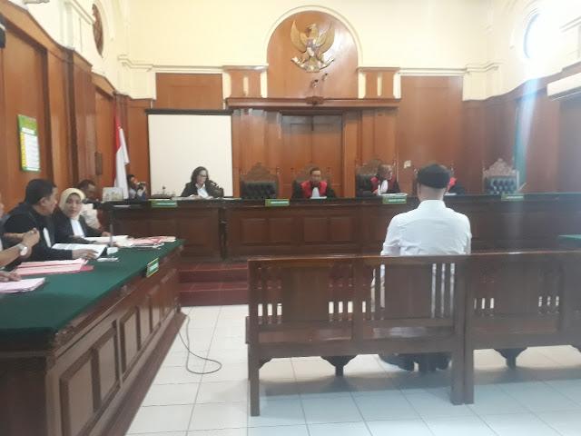 Pengadilan Tinggi DKI Kurangi Vonis Ahmad Dhani Jadi 1 Tahun Bui