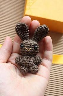lapin-crochet-chocolat-amigurumi