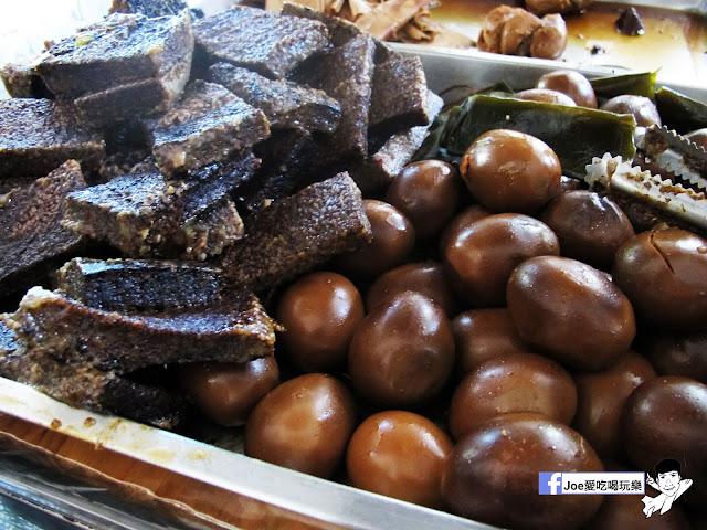 IMG 0137 - 【台中美食】曾氏幸福 | 隱藏於台中國立美術館對面的中信市場得排隊美食| 滷味必吃| 魷魚羹麵|羊肉羹麵|台中美食|熱血台中|