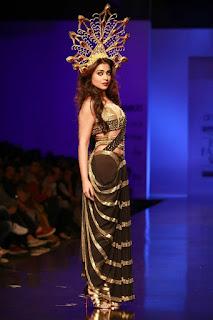 Actress Shriya Saran Stills At Amazon Indian Fashion Week 2016  0008.jpg