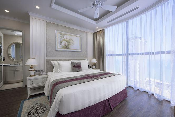 Các phòng nghỉ tại Vinpearl Discovery Nha Trang Empire Condotel được thiết kế với ban công hướng biển, sở hữu tầm nhìn độc đáo