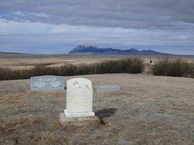 Whitlash, Montana, cemetery
