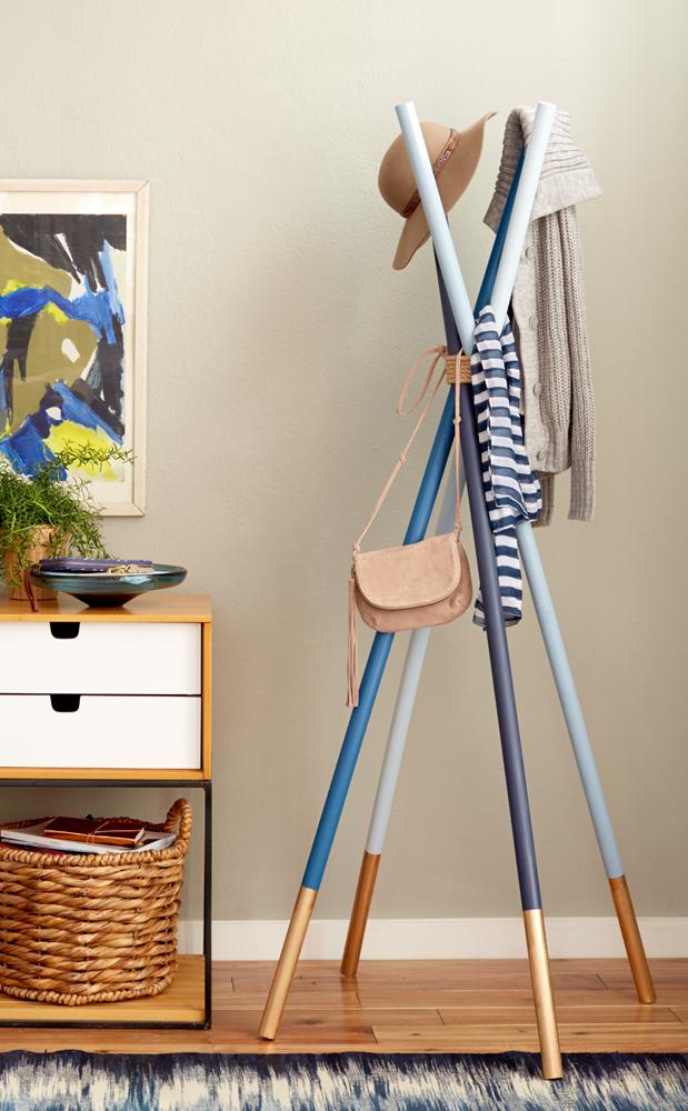 diy un porte manteau au design scandinave initiales gg. Black Bedroom Furniture Sets. Home Design Ideas