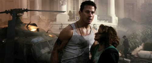 Screen Shot Of Hollywood Movie White House Down (2013) In Hindi English Full Movie Free Download And Watch Online at worldfree4u.com