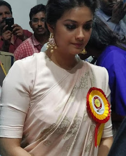 Keerthy Suresh in Saree with Cute Smile for Mahanati Felicitation in Tirupathy 2