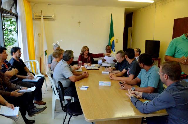 Reunião do FComGama com a administradora do Gama Foto Joaquim Dantas