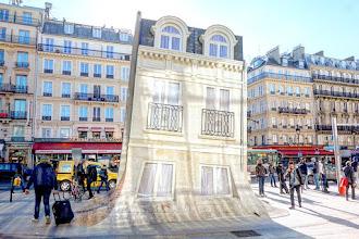 Paris : Maison fond, une installation de Leandro Erlich - Gare du Nord - Xème