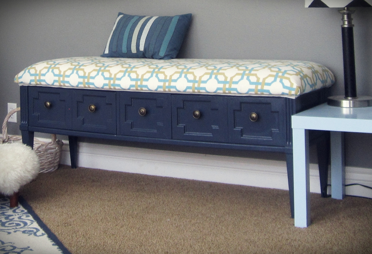 smartgirlstyle: coffee table-turned padded bench