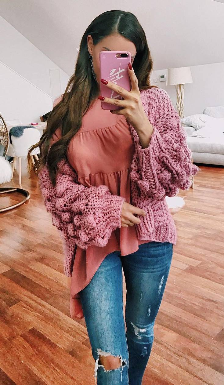 cozy fall outfit idea_knit cardigan + top + jeans