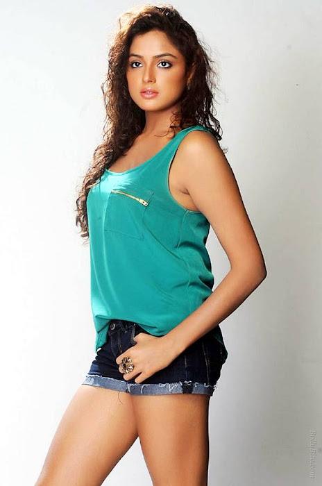 side | asmita sood actress pics