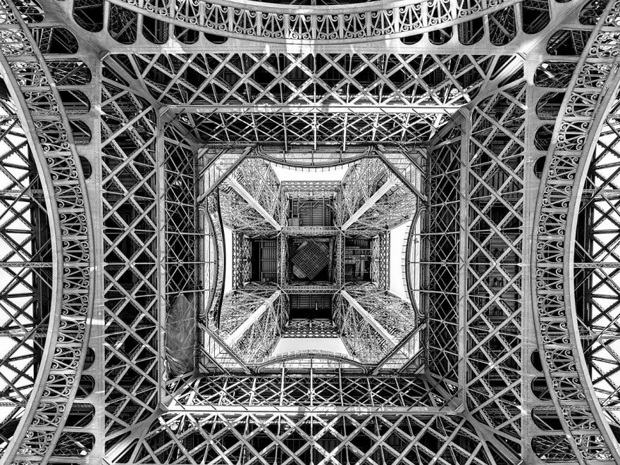 These Are The 35 Best Pictures Of 2016 National Geographic Traveler Photo Contest - Beneath The Eiffel Tower, France