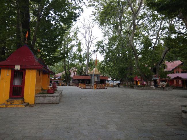 Sri Kheer Bhawani Temple Premises