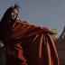 """Rihanna é uma deusa alienígena que domina a galáxia no clipe de """"Sledgehammer"""""""
