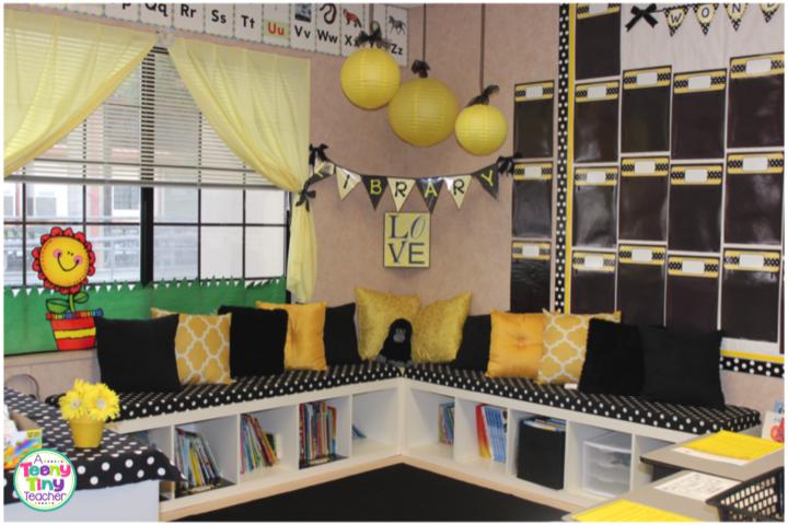 Amazing Classroom Library A Teeny Tiny Teacher Home Interior And Landscaping Spoatsignezvosmurscom