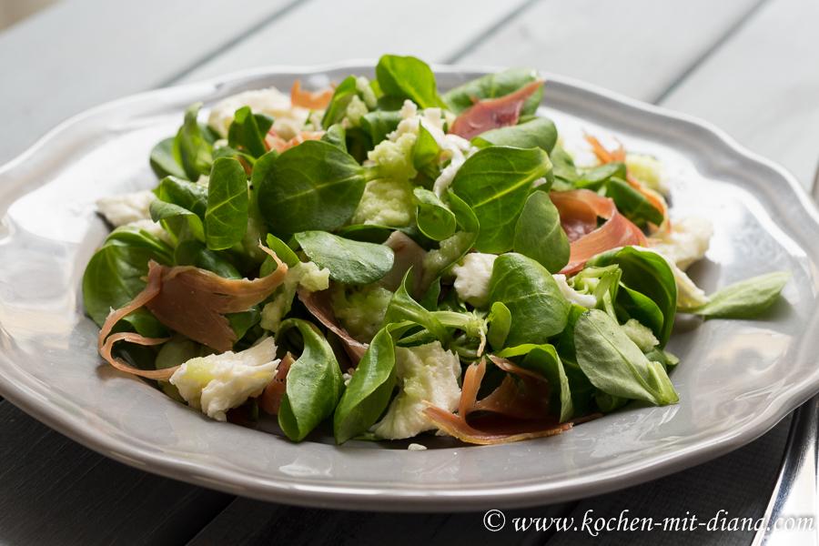 Salat mit Schinken und Melonendressing