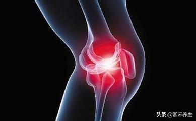 中老年人膝關節疼的5大原因,每天按揉3個位置2分鐘,消除疼痛(骨質疏鬆)