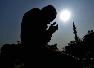 http://www.umatnabi.com/2017/07/kisah-nyata-keajaiban-allah-swt.html