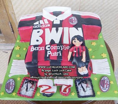 Kue Tart Ulang Tahun Bentuk Baju Ac Milan