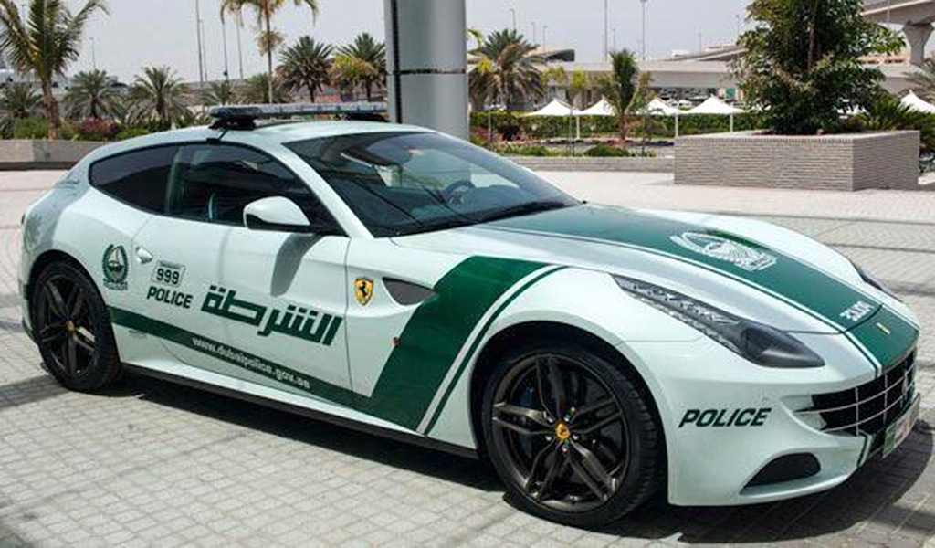 fab wheels digest f w d dubai police cars fleet 2013. Black Bedroom Furniture Sets. Home Design Ideas