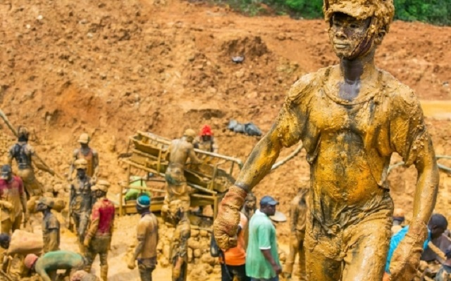 Government puts moratorium on small-scale mining licences