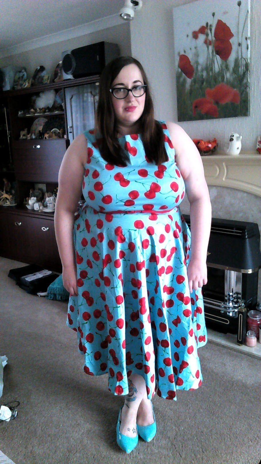 fat plus size girl bbw (size 20/22) wearing a queen of holloway cherry dress