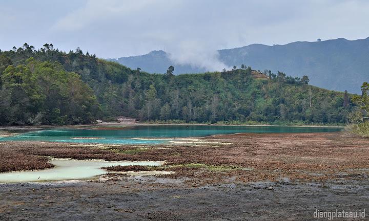 telaga warna dan paket wisata di dataran tinggi dieng