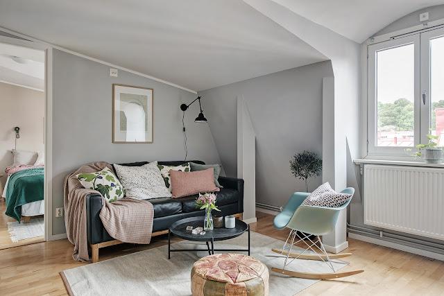 Accente vesele de culoare în amenajarea unei mansarde de 46 m²