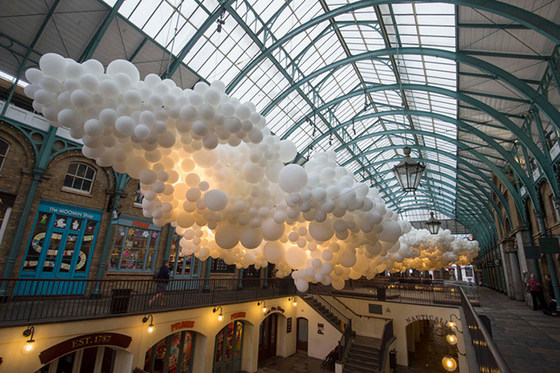 imagen_globos_instalacion_arte_museo_color_aire