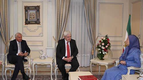 جتمعت مريم رجوي يوم الجمعة 19 يناير 2018 معنيوت غينغريتش الرئيس السابق لمجلس النواب الأمريكي والمرشح الرئاسي، والسيناتورروبرت توريسلي.