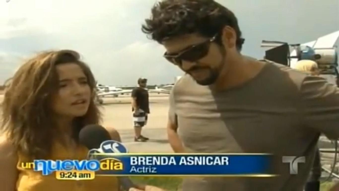 http://2.bp.blogspot.com/-OA7d_xOHGT4/UGxhljRmeHI/AAAAAAAABnc/clIf0n-mn-4/s1600/Un+nuevo+día+Brenda+Asnicar+y+Gabriel+Porras.jpg