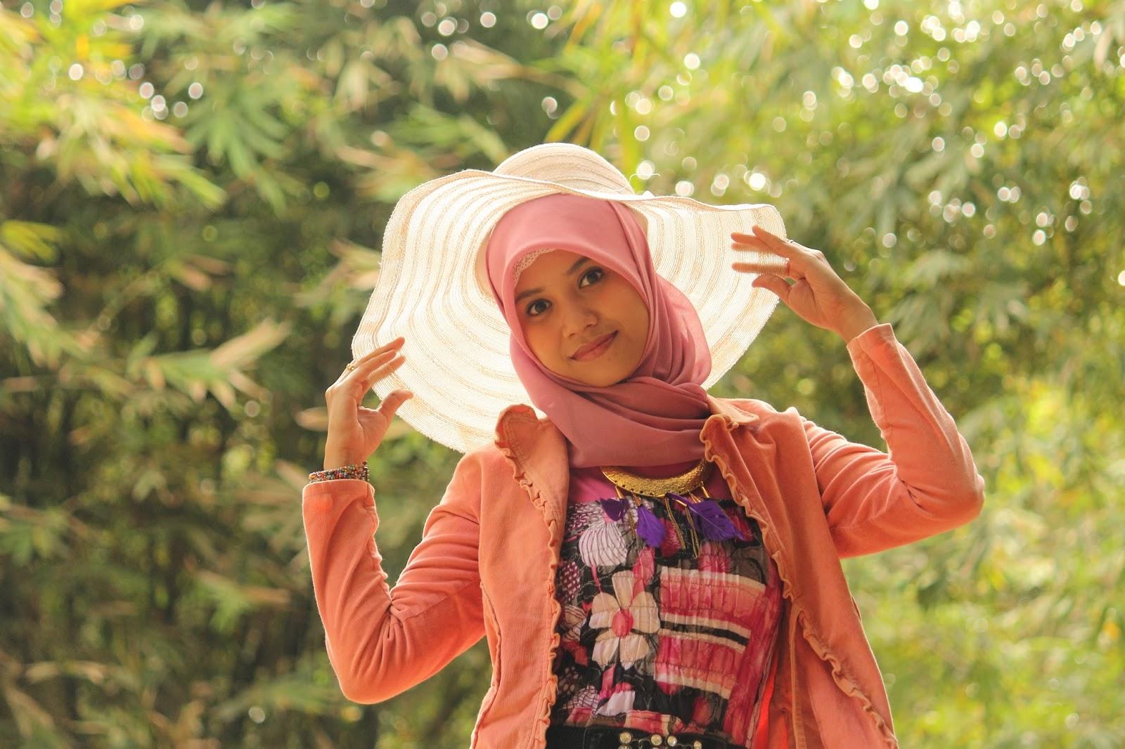 Hunting Model hijab cantik Hani Nirmalasari Jibaer Mahasiswa Kampus manis gaun pengantin Hunting Model hijab cantik Hani Nirmalasari Jibaer Mahasiswa Kampus manis graduation Hunting Model hijab cantik Hani Nirmalasari Jibaer Mahasiswa Kampus manis gemuk