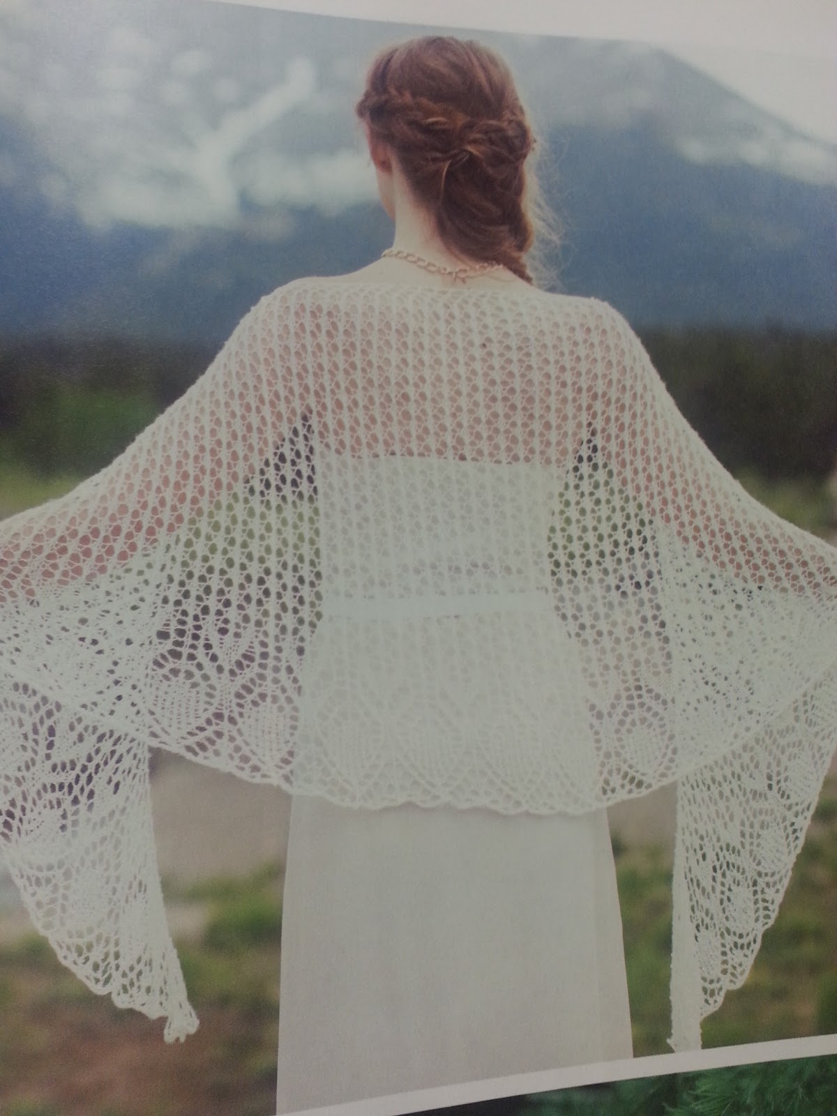 Vogue Knitting Winter 2016 : Knitting tangled yarns tangledmania magazine review