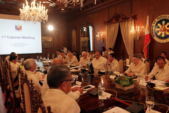 Duterte's first cabinet meeting at the Malacañang palace