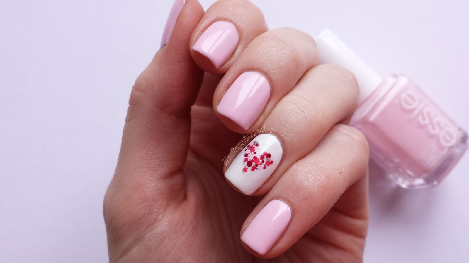 http://nailcyclopedia.com/en/dotted-heart/#comment-142