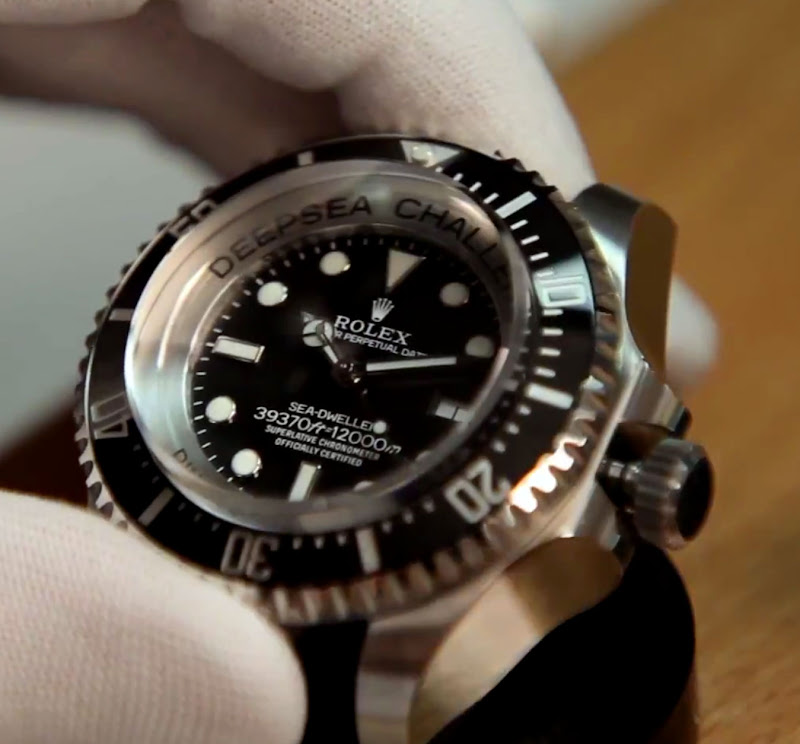 be7260bf566 The RINGLOCK SYSTEM architecture developed and patented by Rolex for this  new generation professional divers  watch has also been used for the ROLEX  DEEPSEA ...