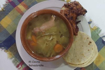 Caldo De Gallina Salvadorena Mi Cocina Salva...