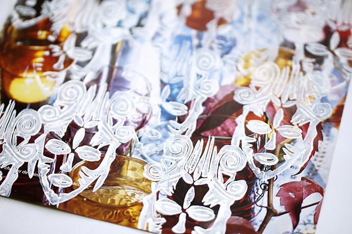 Stempelsammlung | Afrikamaske - weiß gedruckt auf Magazinseite