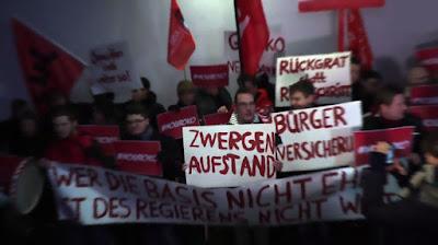 http://www.spiegel.de/video/spd-martin-schulz-gegen-jusos-in-duesseldorf-video-1828037.html