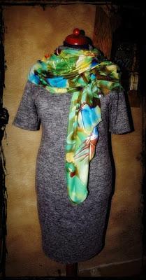 szara dzianinowa sukienka