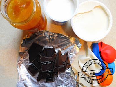 wielkanocny deser z mascarpone pomysł foremki na czekoladę do pralin praliny czekoladowe foremki w kszatałcie jaj mechanik w kuchni syn
