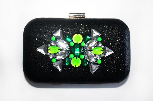 Bolso fiesta verde y negro para tus looks de boda