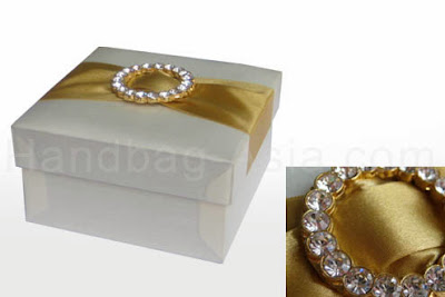 http://handbag-asia.com/Pure-Thai-Silk-Box.htm