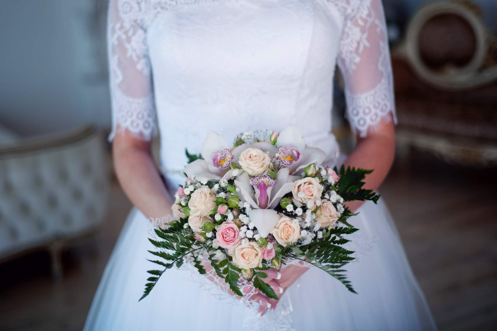 the average wedding costs 33k how to keep to a budget of 5k or