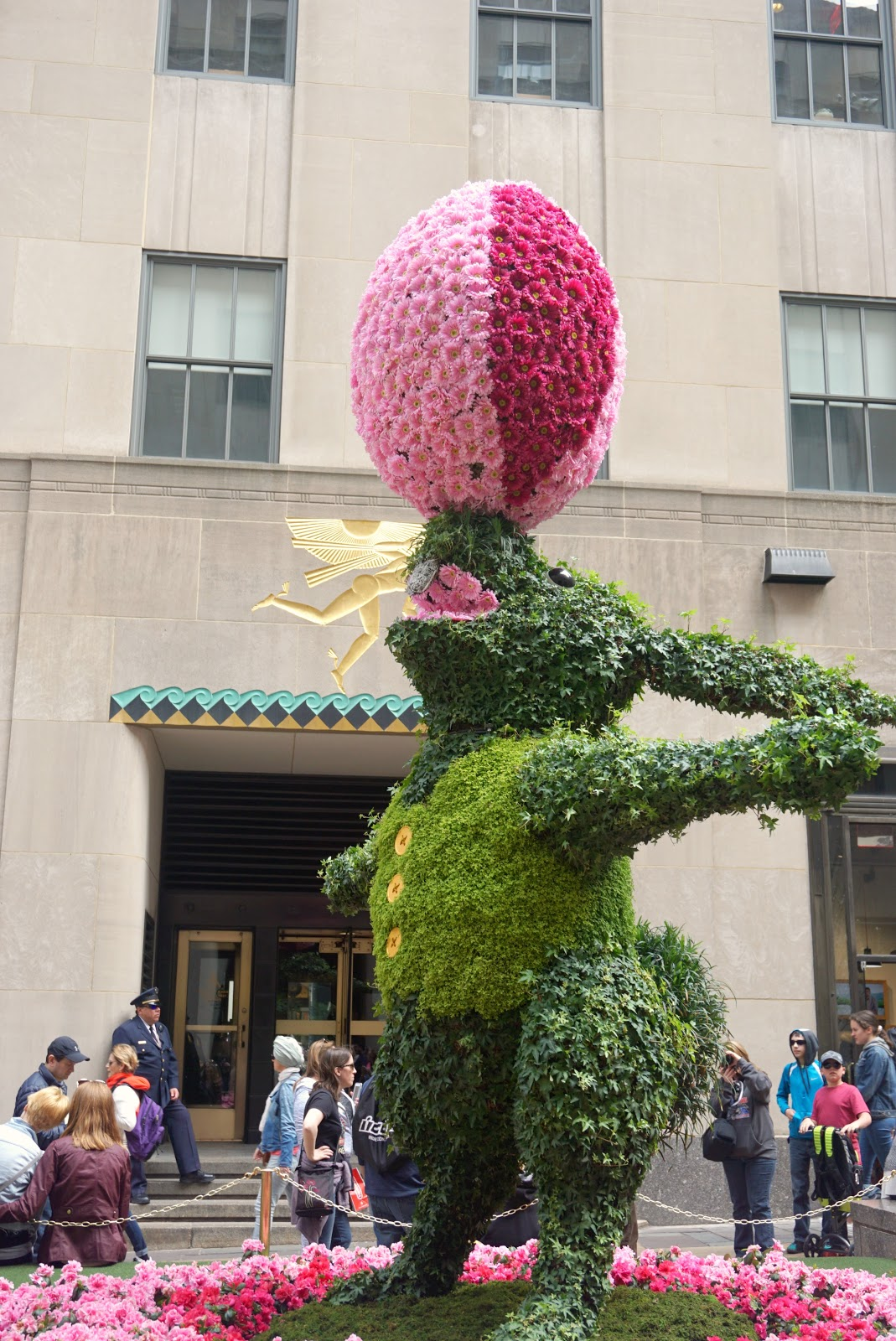 Rockerfeller Center NYC Flowers Easter