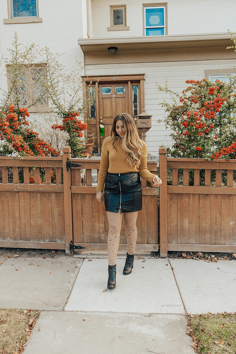 ankle boot outfit with tights, affordable fashion, women's accessories